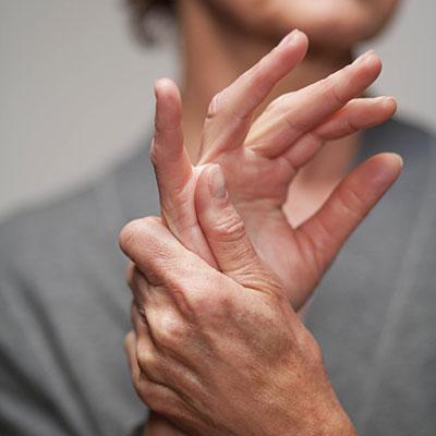 Ушиб сустава пальца руки не разгибаются разрыв боковой связки коленного сустава форум