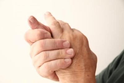 Основные симптомы подагры на руках