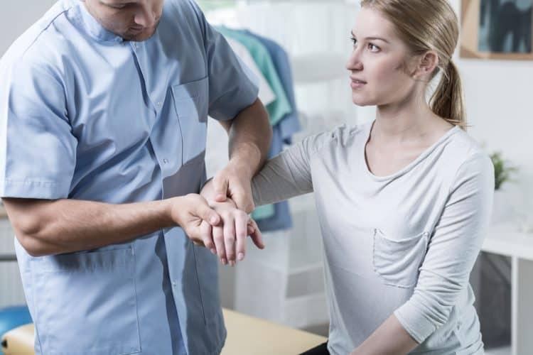 Реабилитация перелома лучезапястного сустава